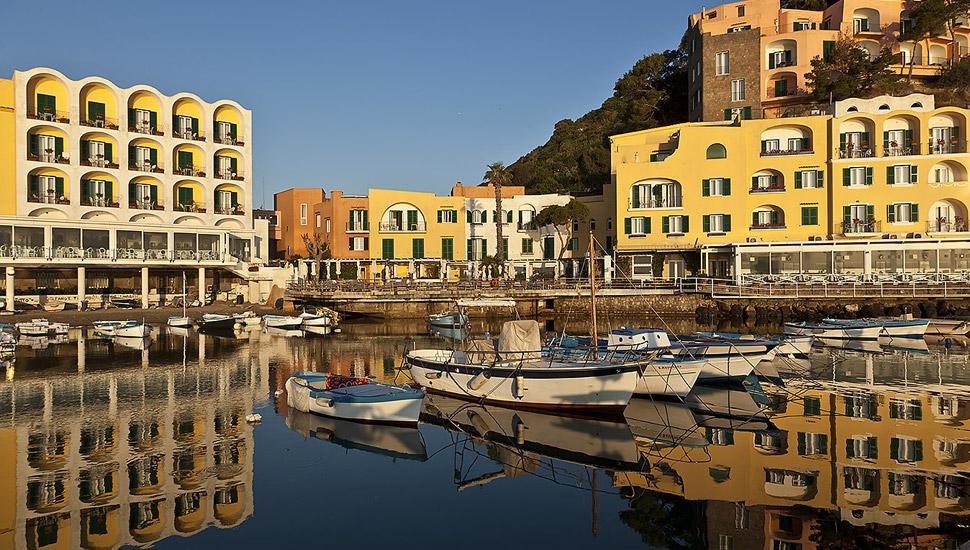 Interdynamic sa hotels resorts lodging accommodation for L hotel della cabina islanda